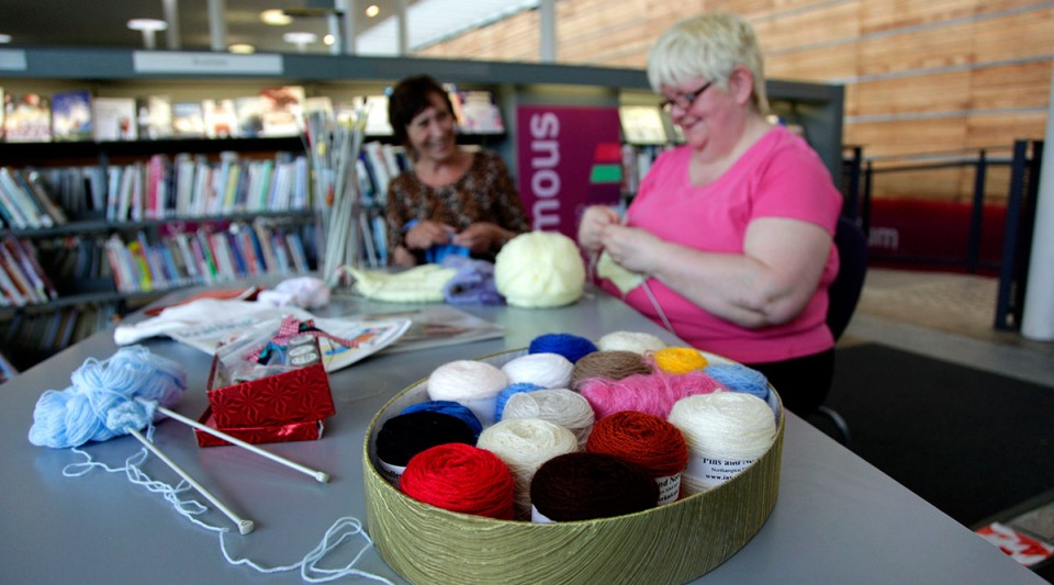 Clack and Yak: Online Knitting Group