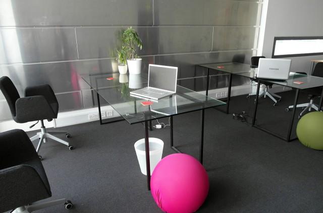 Creative_Hub_Rent_a_Desk1.jpg