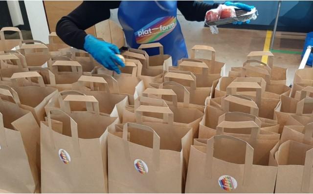 Free food service & art activities running over October school break