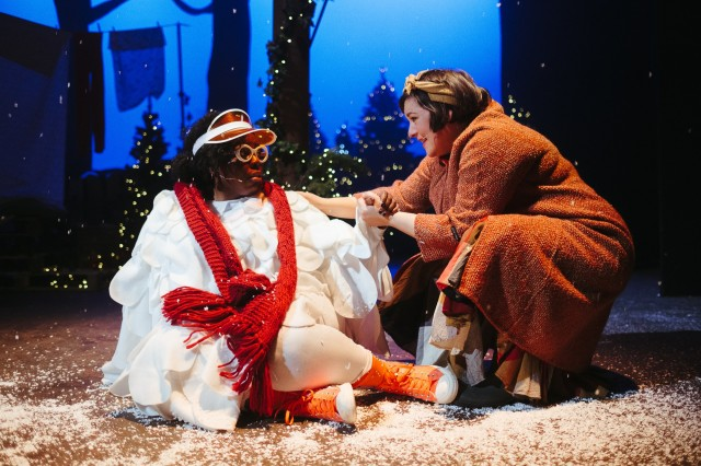 Platform_Mother_Goose_L_to_R_Michelle_Chantelle_Hopewell_playing_Bruce_and_Judith_Williams_playing_Mother_Goose_photo_taken_by_Euan_Robertson.jpg
