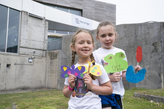 Summer_Art_Workshops_Fun_Friday_July_2021_Holly_and_Olivia_Hargreaves_(2).jpg