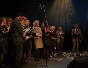 Platform Singers