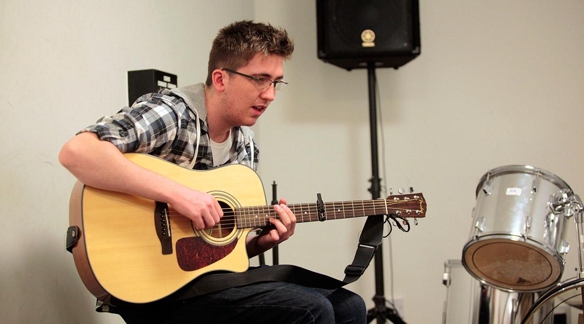 Music Classes: Guitar